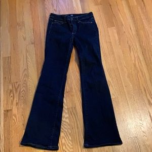GAP perfect boot jean in size 27